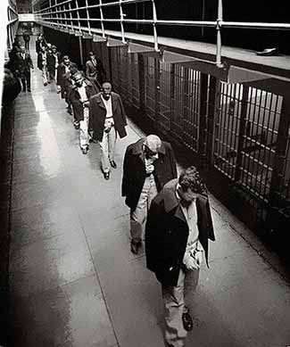Last-prisoners-of-Alcatraz-leaving-1963-325-web