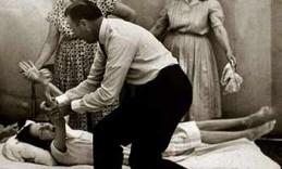 Oral-roberts-praying-bedridden-girl-350-web-FI