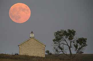 blood-moon-church-320-web